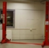 RAPEX: Vehicle hydraulic lift with two support columns - serious risk